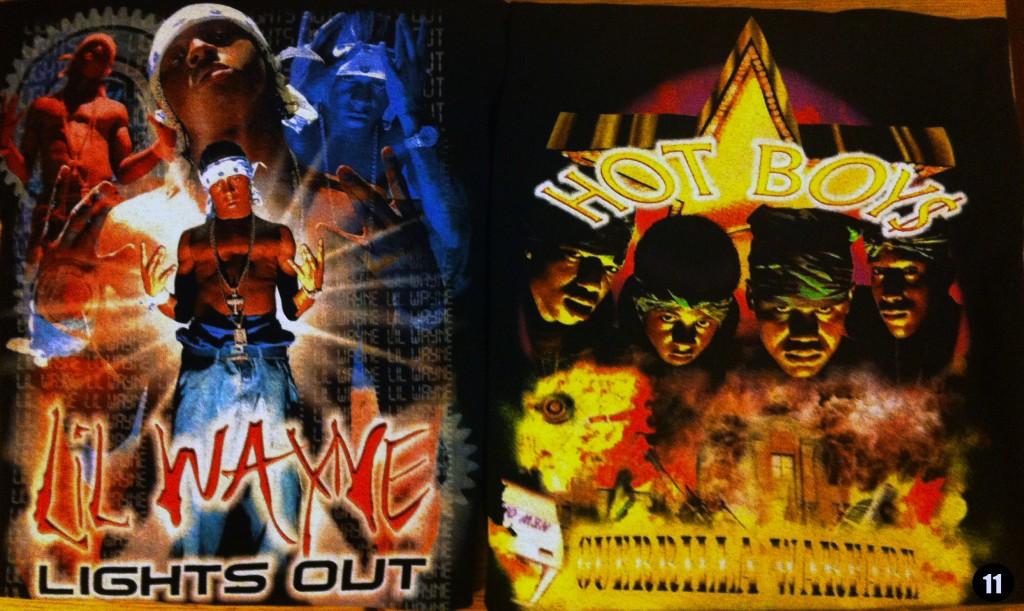 """11: Camisetas conmemorativas de los discos de Lil Wayne """"Lights Out"""" y Hot Boys """"Guerrilla Warfare"""". Manufacturadas por Cash Money Records en aquellos años bajo la marca Hot Boys Urban Street Wear. Extremadamente raras, conseguidas gracias a uno de sus contactos de Nueva Orleans que las vio en un mercadillo de trasteros una década después de haber sido puestas a la venta con etiquetas y perfectamente nuevas. Por detrás tienen el logo de Cash Money."""