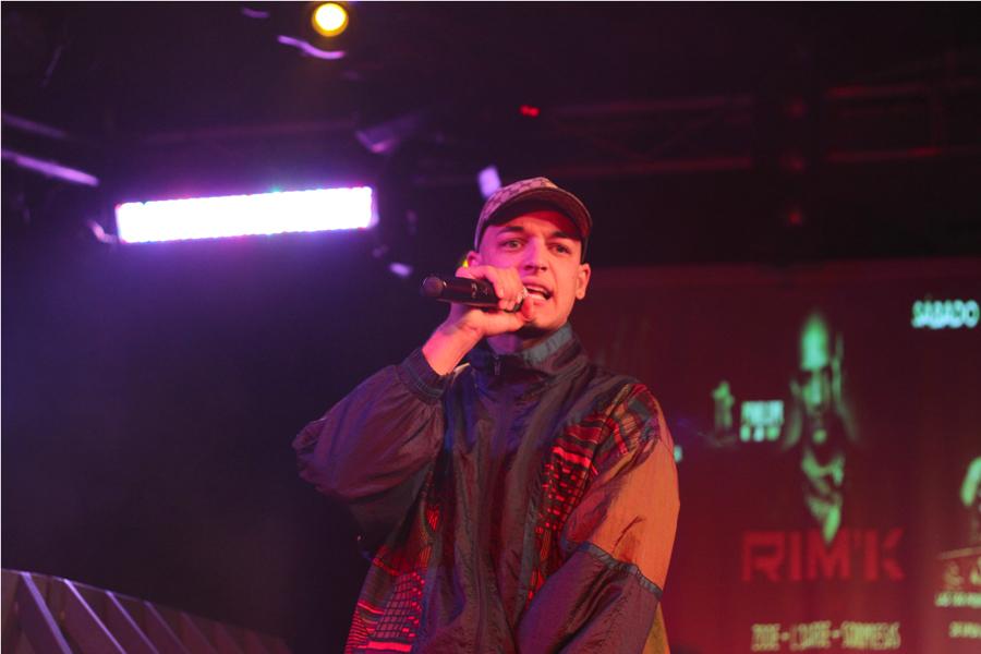 Zode al micrófono (Foto: KPB Photos).