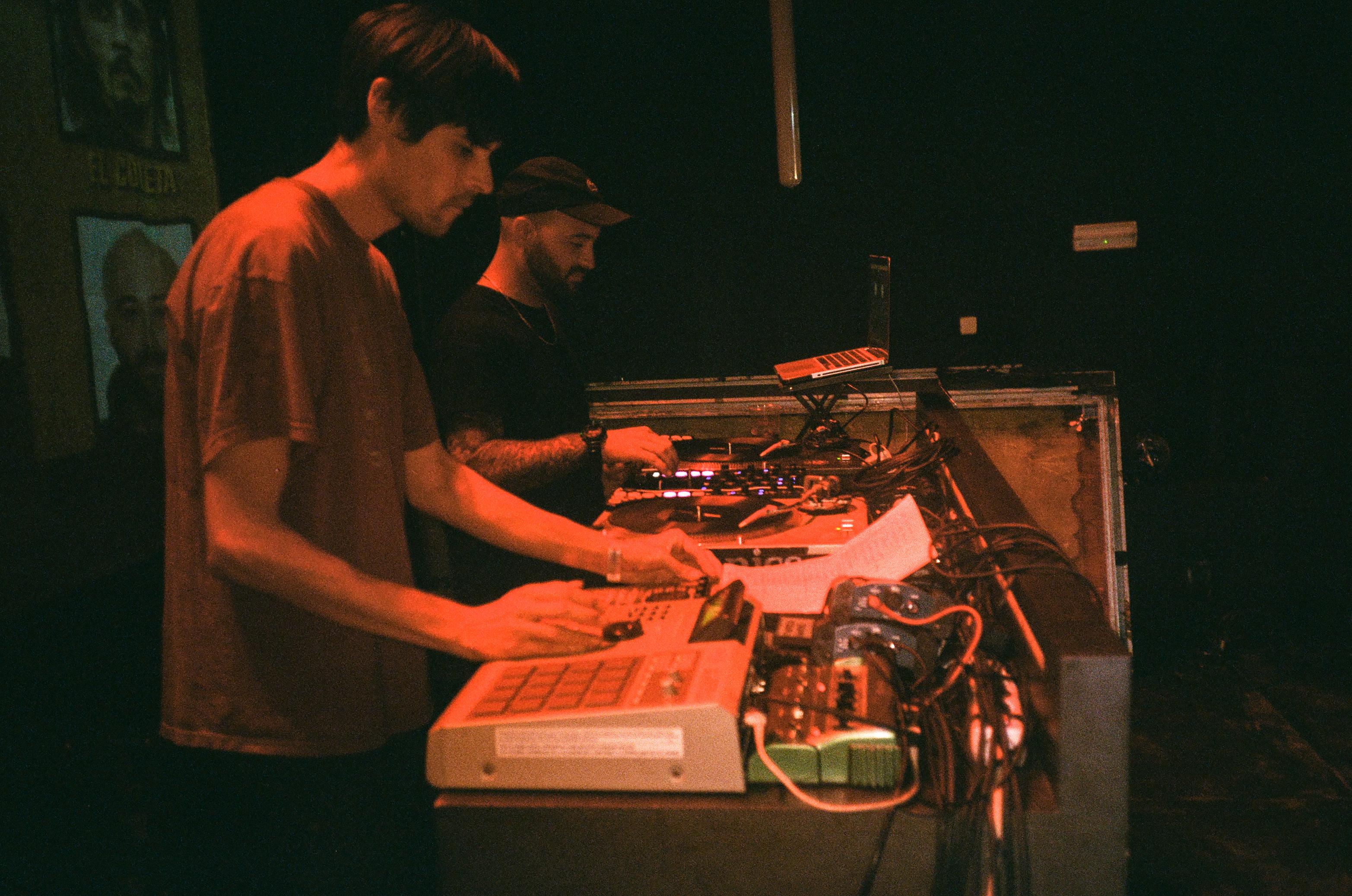 Hartosopash y Dj Swet en I.D. Party (Fotografía por Alberto Pérez Urraca)